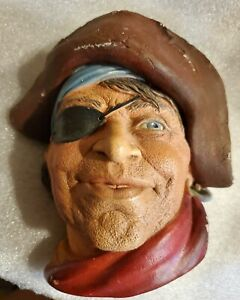 VINTAGE BOSSON LEGEND PRODUCTS ENGLAND CHALKWARE HEAD  SMUGGLER