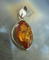 ästhetisch schöner anhänger mit baltischem honig bernstein silber 925 v juwelier