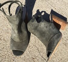WHITE HOUSE BLACK MARKET Olive army green BOOTS Shoes size 9