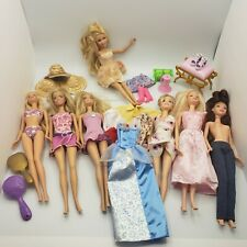 Lot Of 7 Barbie Dolls With Some Accessories late 90s Mattel