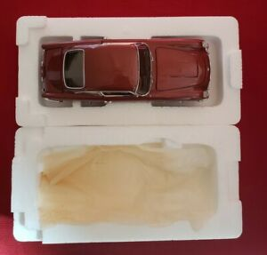 Danbury Mint 1964 Aston Martin Dubonnet Red DB5 Sports Coupe 1:24 Scale