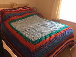 VERY LARGE HAND MADE KNITTED CROCHET KINGSIZE  BED THROW BLANKET 300 X 285cm