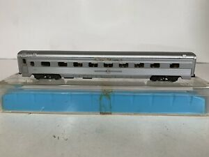 B33 Atlas N Scale Model Trains Penn Central Passenger Coach Car Lighted Tested