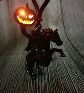 Disney Parks Disneyland  Halloween Light Up Headless Horseman Pumpkin Keychain