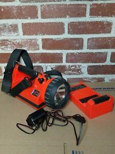 Streamlight Halogen Flood LiteBox Lantern Flashlight / Charging Rack / Charger