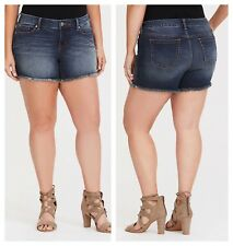 edad5715e51 Torrid Frayed SKINNY Short Shorts Dark Wash 0x Large 12  78562