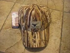 AWE Logo Avery Waterfowl Equipment Greenhead Gear Oil Cloth Hat Marsh Grass MG