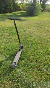 Electric Scooter - 16mph Schwinn Tone 3