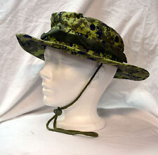 New canadian digital camo bonnie hat size medium (refbox#61)