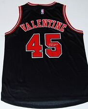 DENZEL VALENTINE signed (CHICAGO BULLS) black basketball jersey W/COA