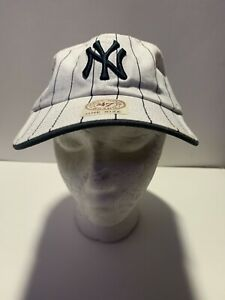 New York Yankees Rare Baseball Cap Black and White Pattern