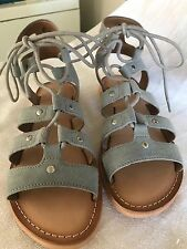 Urban Outfitters Willow  suede sandels size 6