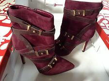 $149 Guess Parley Pointed Toe Booties Purple Multi Suede Buckles Details Sz 9.5