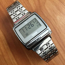 NICE VINTAGE TIMEX BAR BUTTON LCD WATCH BEAD OF RICE BAND - RUNNING CONDITION !