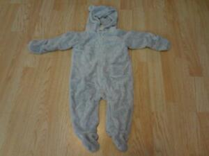 Infant/Baby Old Navy 6/12 Mo Hooded Footies Coat Outfit Romper Very Soft (Gray)