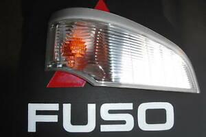 MITSUBISHI FUSO TRUCK RIGHT FRONT AND SIDE LAMP MK427120