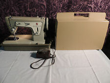 Singer Heavy Duty Fashion Mate 237 Sewing Machine With Case.