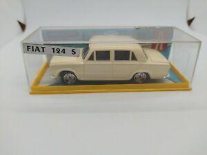 Voiture Vintage Original Minialuxe Super Luxe GINAL FIAT 124 S,1/43 éche France