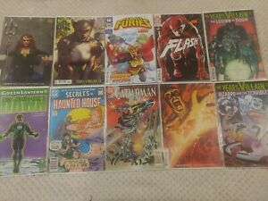 DC Comics Lot Of 10 Books (Flash, Catwoman, Aquaman)
