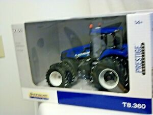 ERTL New Holland T8.360 Tractor - 1:32