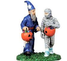 New Lemax Spookytown, Treat Hunters 12889, Halloween Figurine Wizard Kids