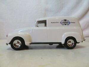 Ertl Kansas City Lakeside Speedway 1950 Panel Truck Bank