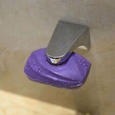 küche edelstahl an der wand montiert. storage rack magnetische seife. schwamm.