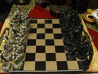 Star Wars Chess Set Saga Edition Board Game ( -1 Blck pwn)