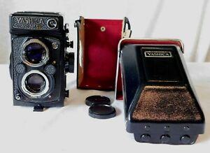 Vintage YASHICA Mat-124 G Camera in Case