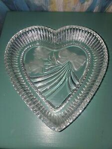 "Heart Shaped Decorative Glass Bowl 7"" X 6.75"" X 1"""