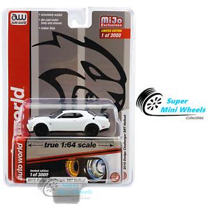Auto World 1:64 - 2019 Dodge Challenger SRT Hellcat White with Black Stripes