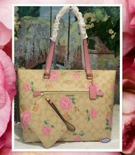 Coach 2714 Gallery Tote in Signature Canvas With Prairie Rose Print