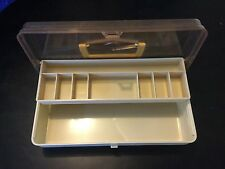 1 Tray Tackle Box With 8 Compartments And A Large Bottom Compatrment B8612