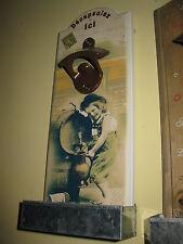 Wandflaschenöffner Flaschenöffner Gusseisen und Holz  30cm x 12 cm