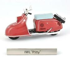 "IWL ""Pitty"" échelle 1:24 Modèle de scooter de Atlas"