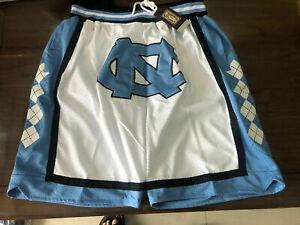 HOT North Carolina Vintage Men White Pockets Basketball Shorts Size: S-XXL