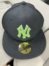 New York Yankees New Era 59FIFTY Fitted Hat Cap Size 7 Black /w Neon Green Logo