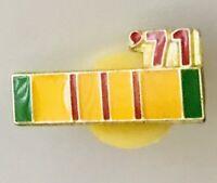 1971 Vietnam Service Medal Army Ribbon Pin Badge US Military Vintage (A5)