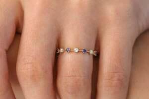 Memory Ring 14K 585er Gold mit 4 natürlichen Saphiren & drei Brillanten VS G-H