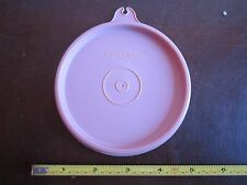 Vintage Tupperware replacement lid 215 press and seal top lid cap A on tab pink