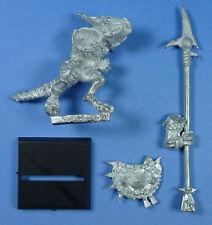 CITADEL - Lizardmen - Temple Guard with Halberd (d) - Metal - OOP