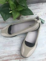 Lands End Womens Flats Shoes Sneakers 9M Tan Leather Antimicrobial Slip On