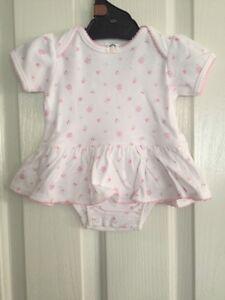 NEW Gerber Short Sleeves Baby Girl Vintage Minimal Bodysuit  size 0-3 mos
