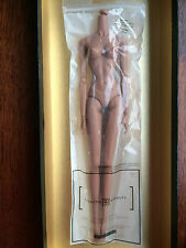 Integrity Toys Fashion Royalty FR2 2013 Latino skin tone replacement body in EU