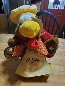 Animated Stuffed Thanksgiving Turkey plays The Chicken Dance Song HOLIDAY LAUGHS