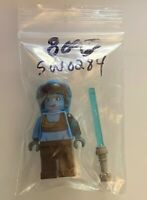 LEGO Star Wars Clone Wars Minifig: Aayla Secura with lightsaber SW0284 From 8098
