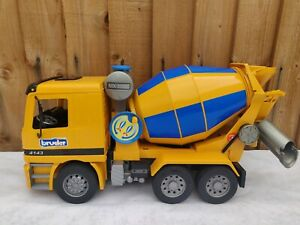 Bruder MX 5000 Cement Mixer Truck 4143 Construction Vehicle Mercedes Actros