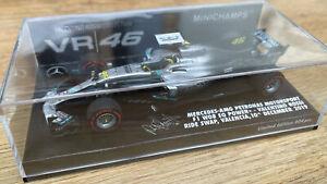 MINICHAMPS 191746 MERCEDES AMG F1 W08 car V Rossi Ride Swap 2019 Hamilton 1:43