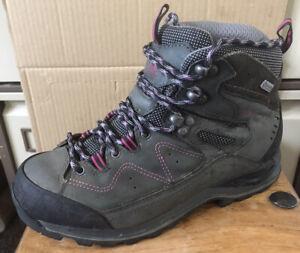 Ladies KARRIMOR KSB 'Hot Earth' Waterproof Walking Boots - Size 5 (38)