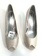 Mossimo Isabella Champagne Size 10 Peep Toe Platform High Heel Shoes NWT